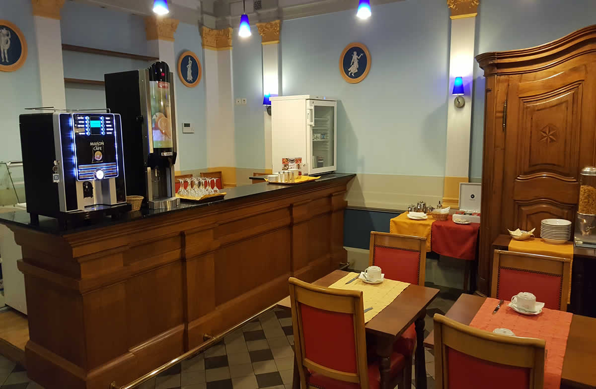 Hôtel Colombet - Petit Déjeuner
